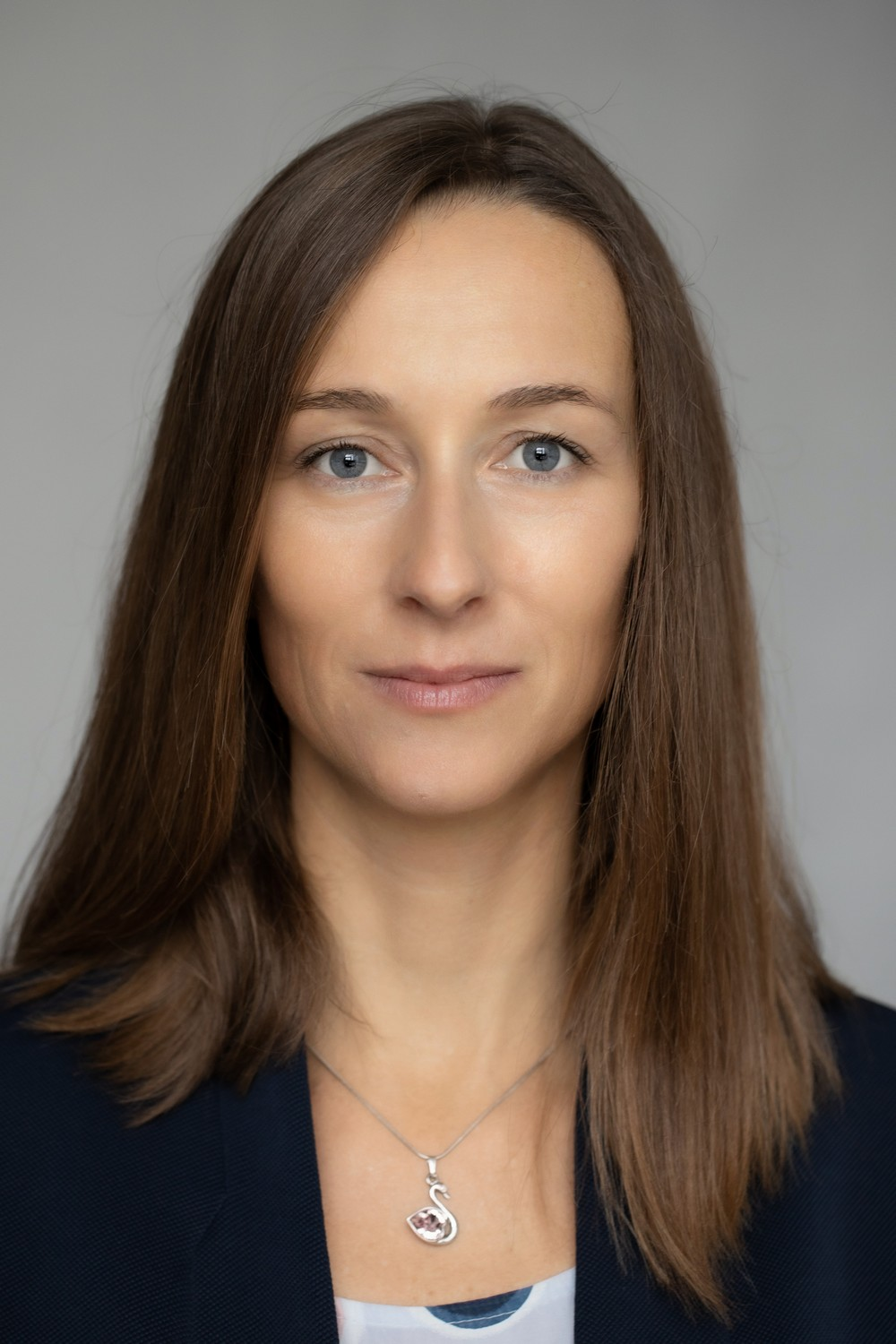https://www.frequentis.com/karriere/hrprofils/images/Andrea_S.jpg profile picture.