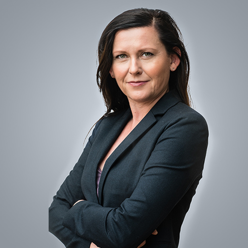 https://www.frequentis.com/karriere/hrprofils/images/Bettina_F.JPG profile picture.