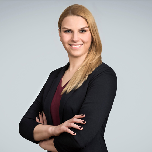 https://www.frequentis.com/karriere/hrprofils/images/Magdalena_F.jpg profile picture.